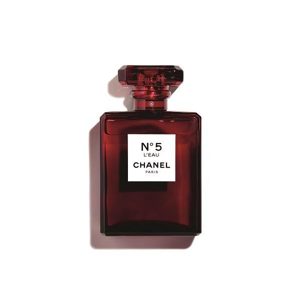 香奈儿五号之水红色限量版  图片源自品牌
