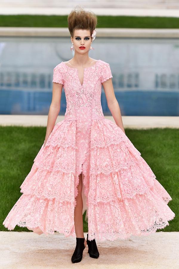 Chanel 2019春夏高定系列  图片源自视觉中国
