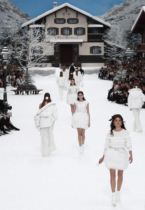 Chanel 2019/20秋冬高级成衣系列现场