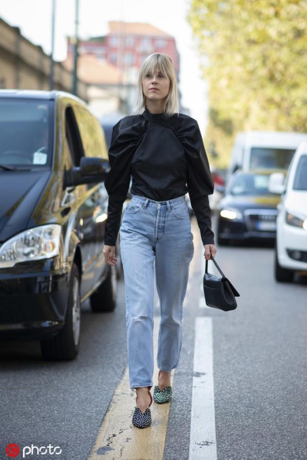 就知道穿白衬衫?最显瘦的黑衬衫也该有姓名!