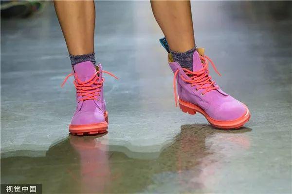 Anna Sui 2020春夏系列(图片来源于视觉中国)