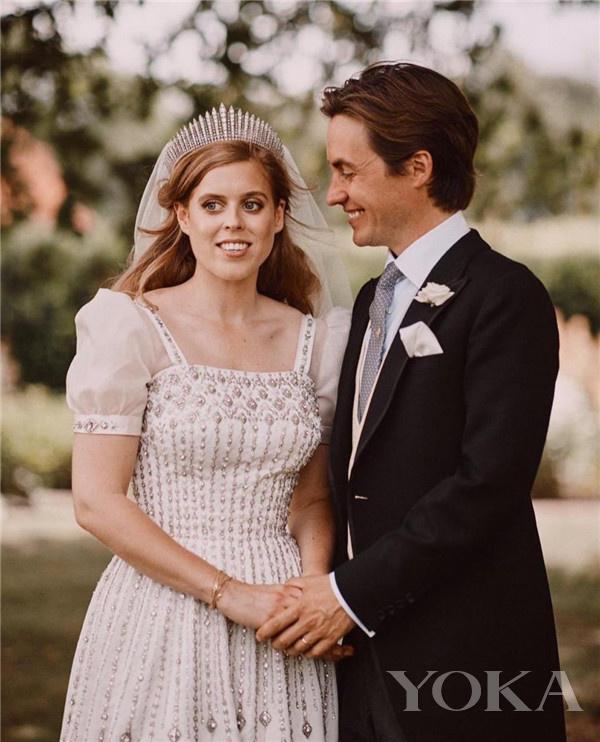 比阿特丽斯公主和爱德华多·马佩利·莫齐大婚(图片来源于dailymail)